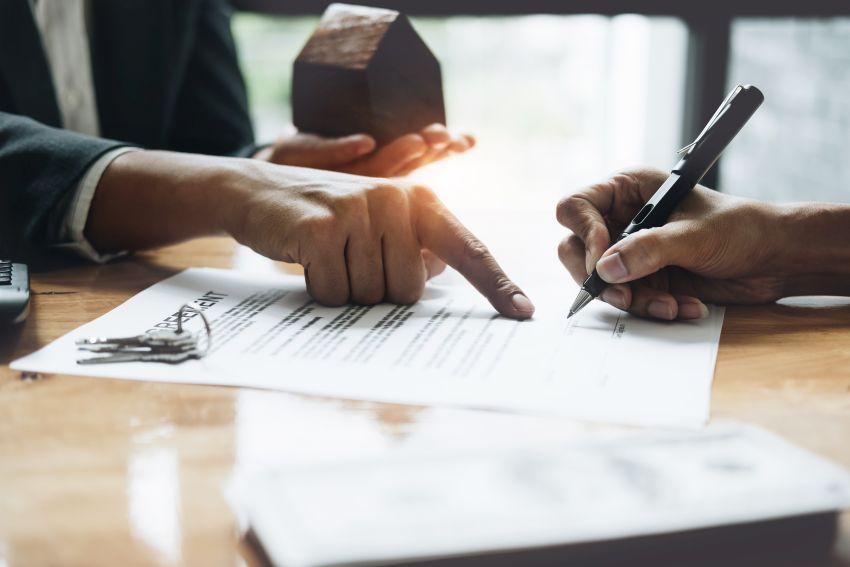 Bauvertrag wird unterzeichnet