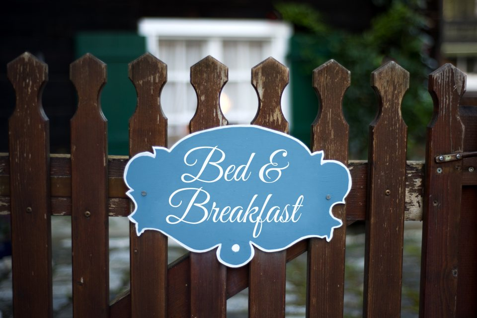 Schild Bed & Breakfast