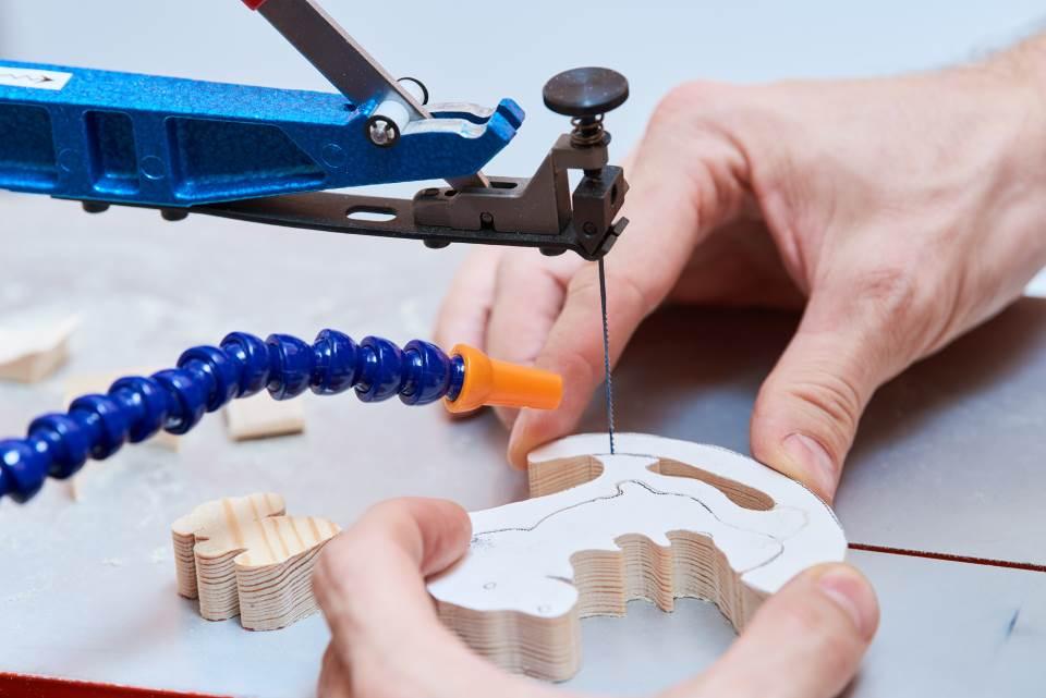 Holzspielzeug herstellen Säge
