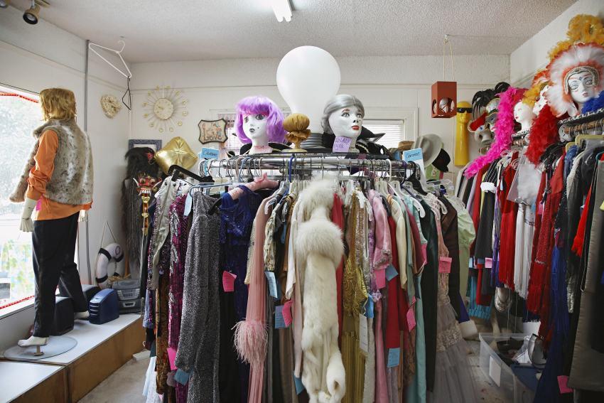 Kostüme im Geschäft