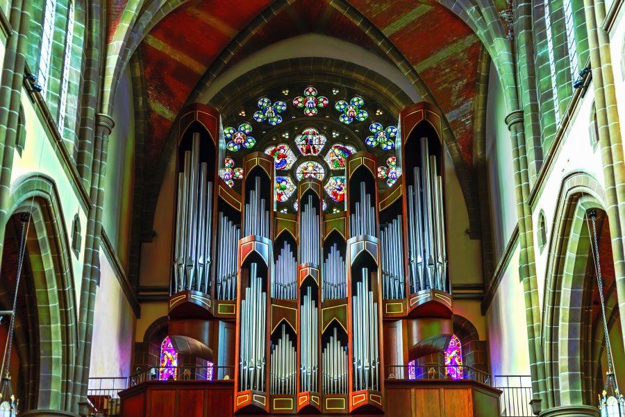 Pfeifenorgel in Kirche