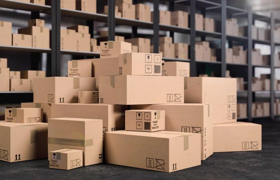 Kartons im Warenlager