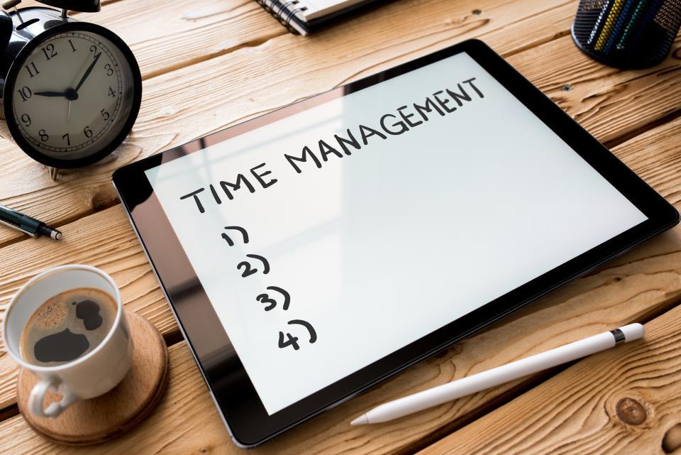 Tablet mit Zeitmanagement und Wecker